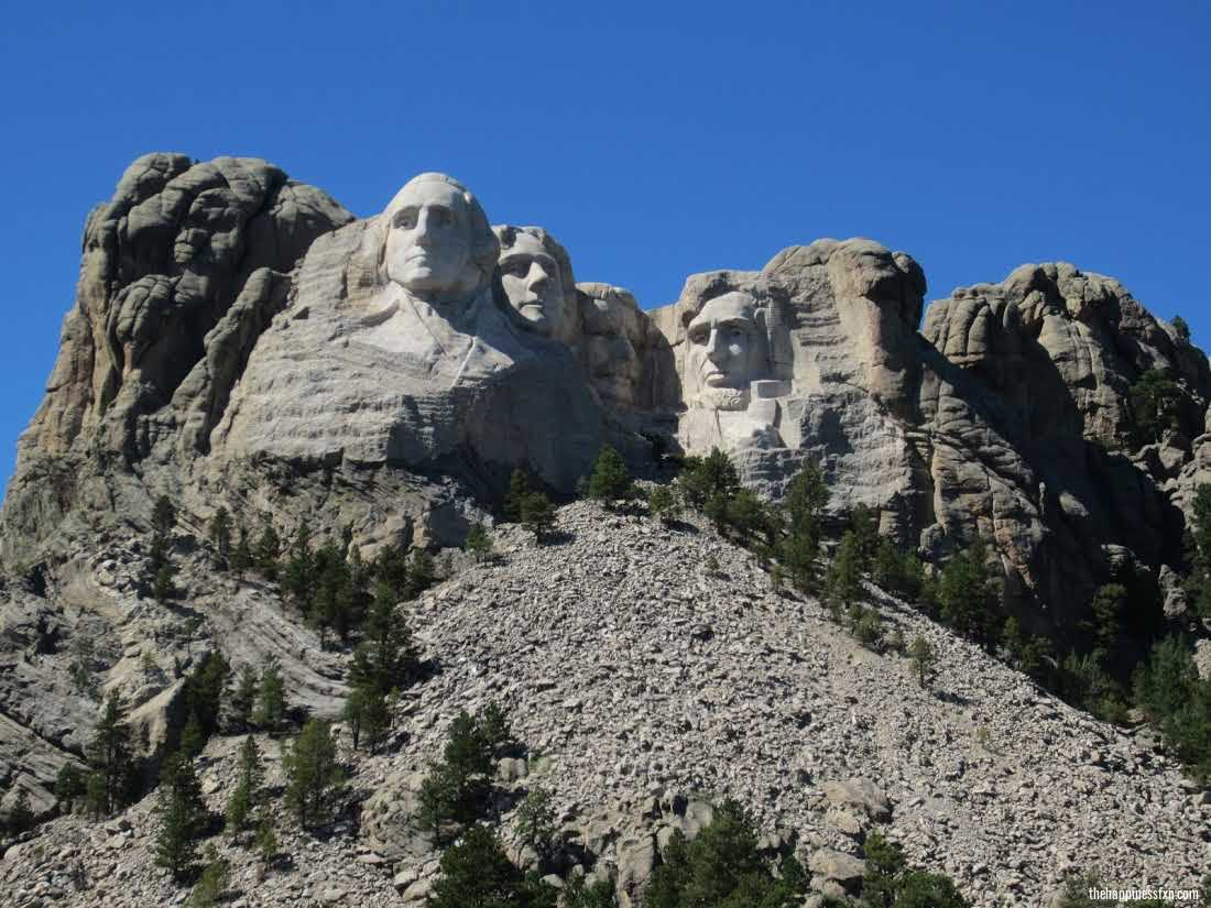 how-to-visit-mount-rushmore-view-of-heads