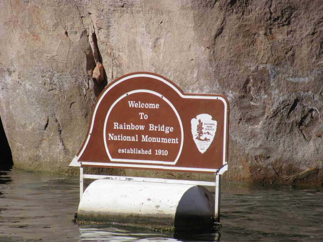 rainbow-bridge-national-monument-sign